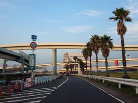 首都高湾岸線から東京湾アクアライン方面へ