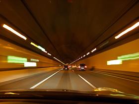 アクアライン海底トンネル内
