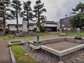 山本五十六記念公園内