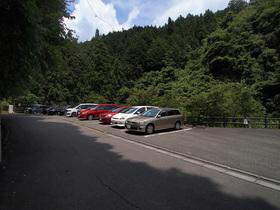払沢の滝 無料駐車場