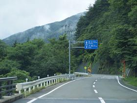 西沢渓谷へ向かうR140