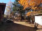 鷹ノ巣山避難小屋と休憩スペース