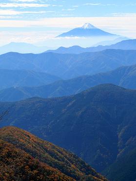 石尾根から富士山の眺望
