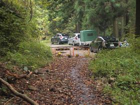 林道御岳線の駐車スペース