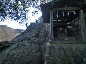 天狗岩の祠