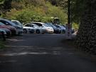満車状態の払沢の滝駐車場