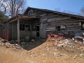 閉鎖の白岩小屋