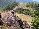 ゴツゴツ岩の山道