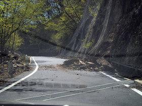 落石の一之瀬林道