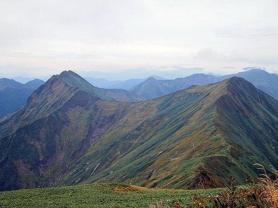 谷川岳肩の小屋からの眺望