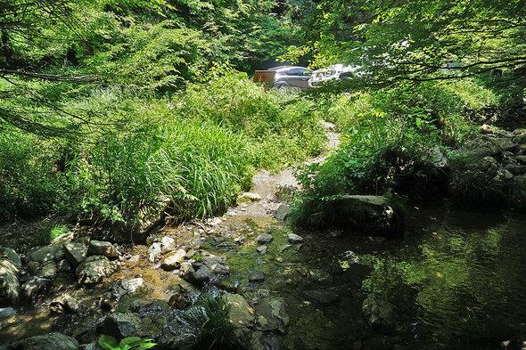 日影沢林道に接続する渡渉箇所