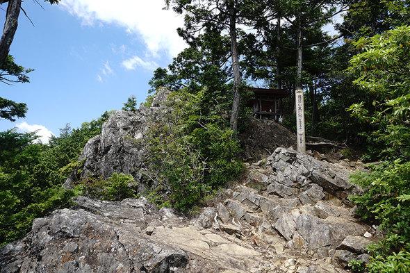 鶏冠山(黒川山)山頂