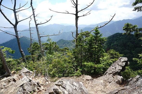 鶏冠山(黒川山)山頂からの展望