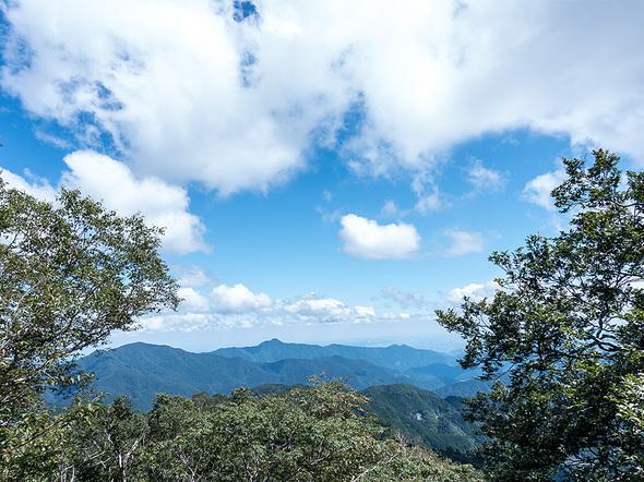 三頭山展望台からの眺望