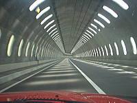 道道101号線のトンネル