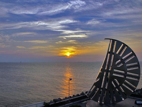 海ほたるからの綺麗な夕日と東京湾
